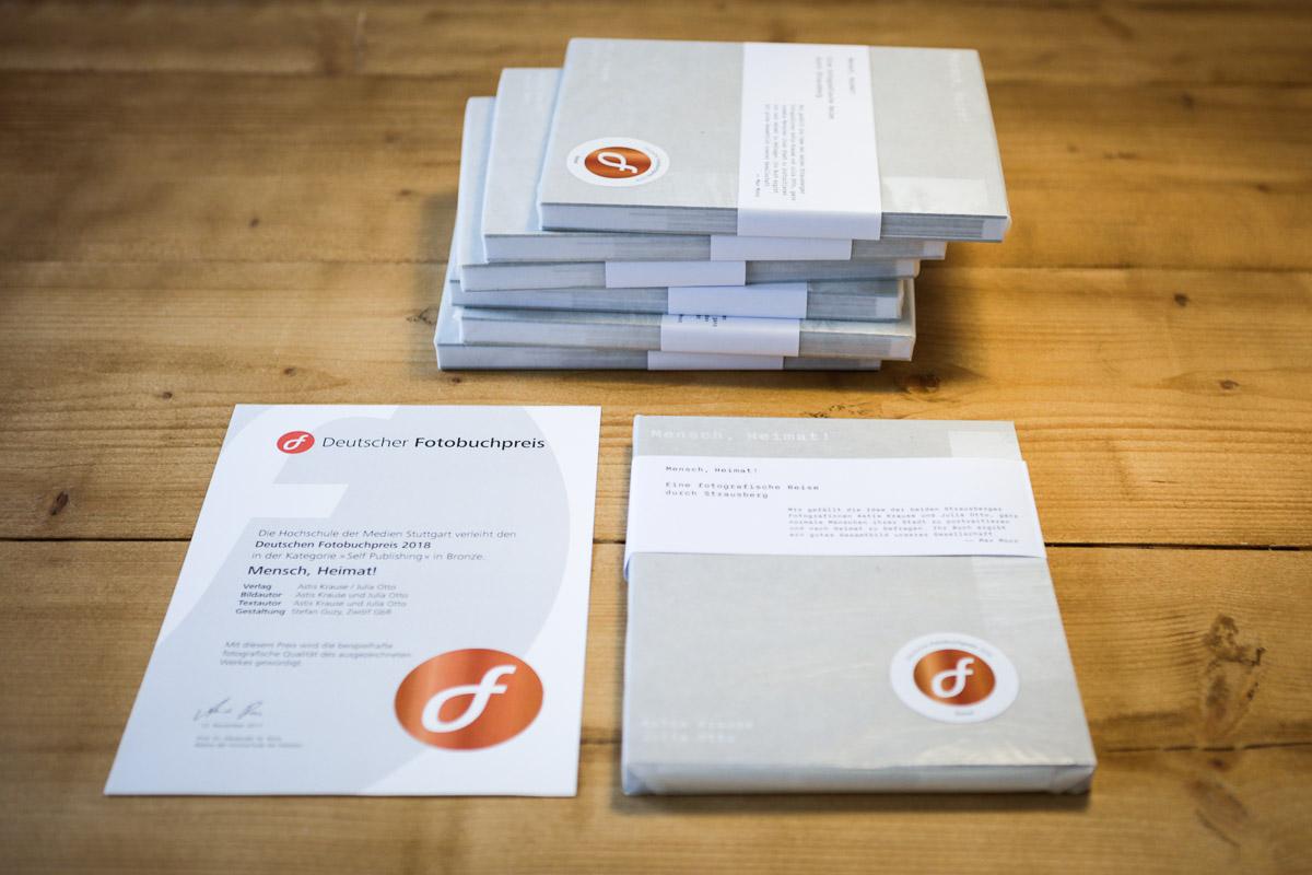 """Buch """"Mensch, Heimat!"""" Deutscher Fotobuchpreis in Bronze"""